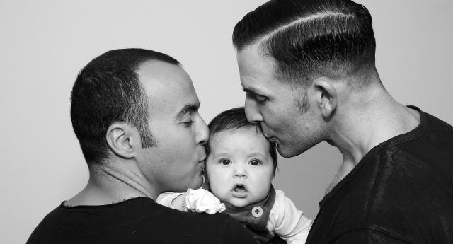 رویای كودكان داراي دو پدر و مادر همجنس بيولوژيكي مي تواند تا دوسال آينده به واقعيت تبديل شود