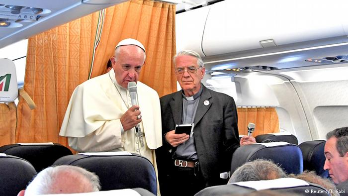 پاپ فرانسیس: کلیسای کاتولیک باید از همجنسگرایان عذرخواهی کند